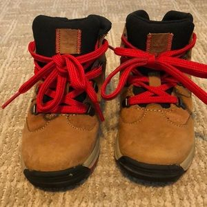 Timberland Boys Boots Size 9